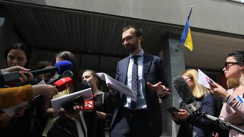 Member of Ukrainian Parliament Serhiy Leschenko addresses to media in front of the Kiev Court of Appeal in Kiev