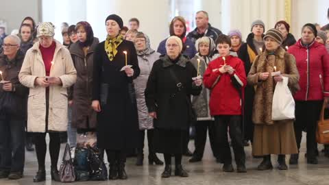 Funeral service for St Petersburg Metro explosion victims