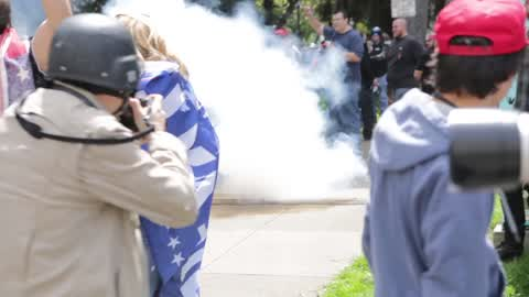 Trump supporters and protesters clash at free speech rally in Berkeley