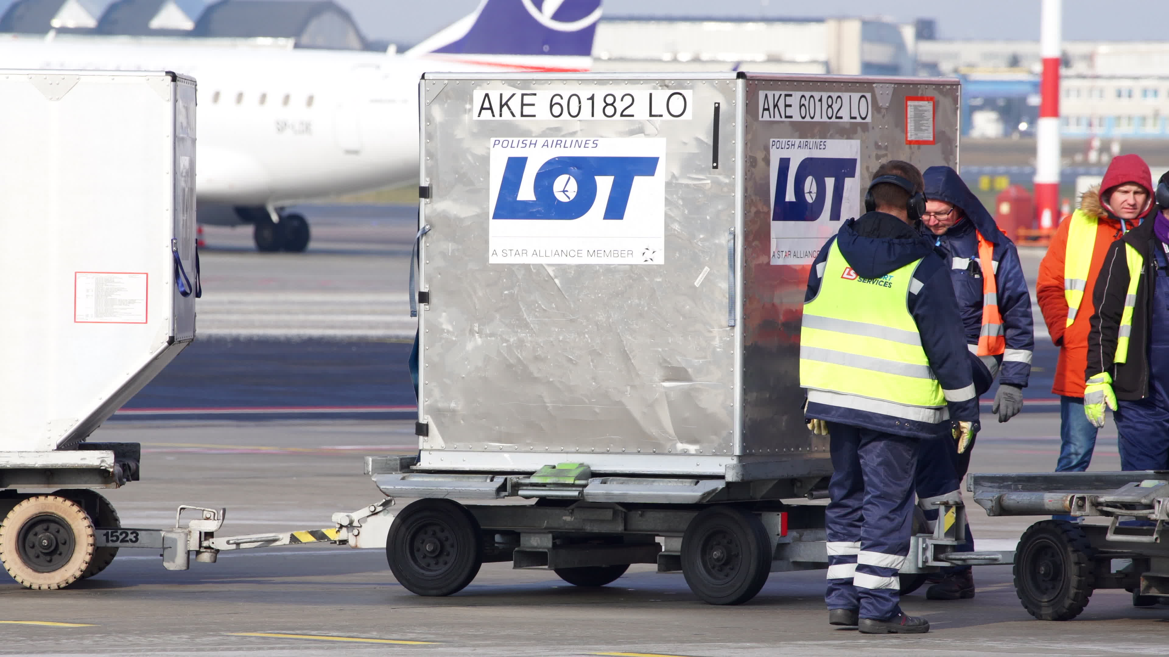 Chinese Medical Supplies Arrive in Poland
