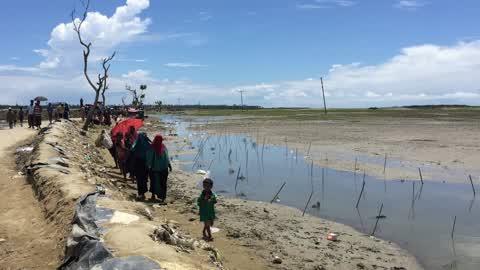 Rohingya Refugees Flood Into Bangladesh