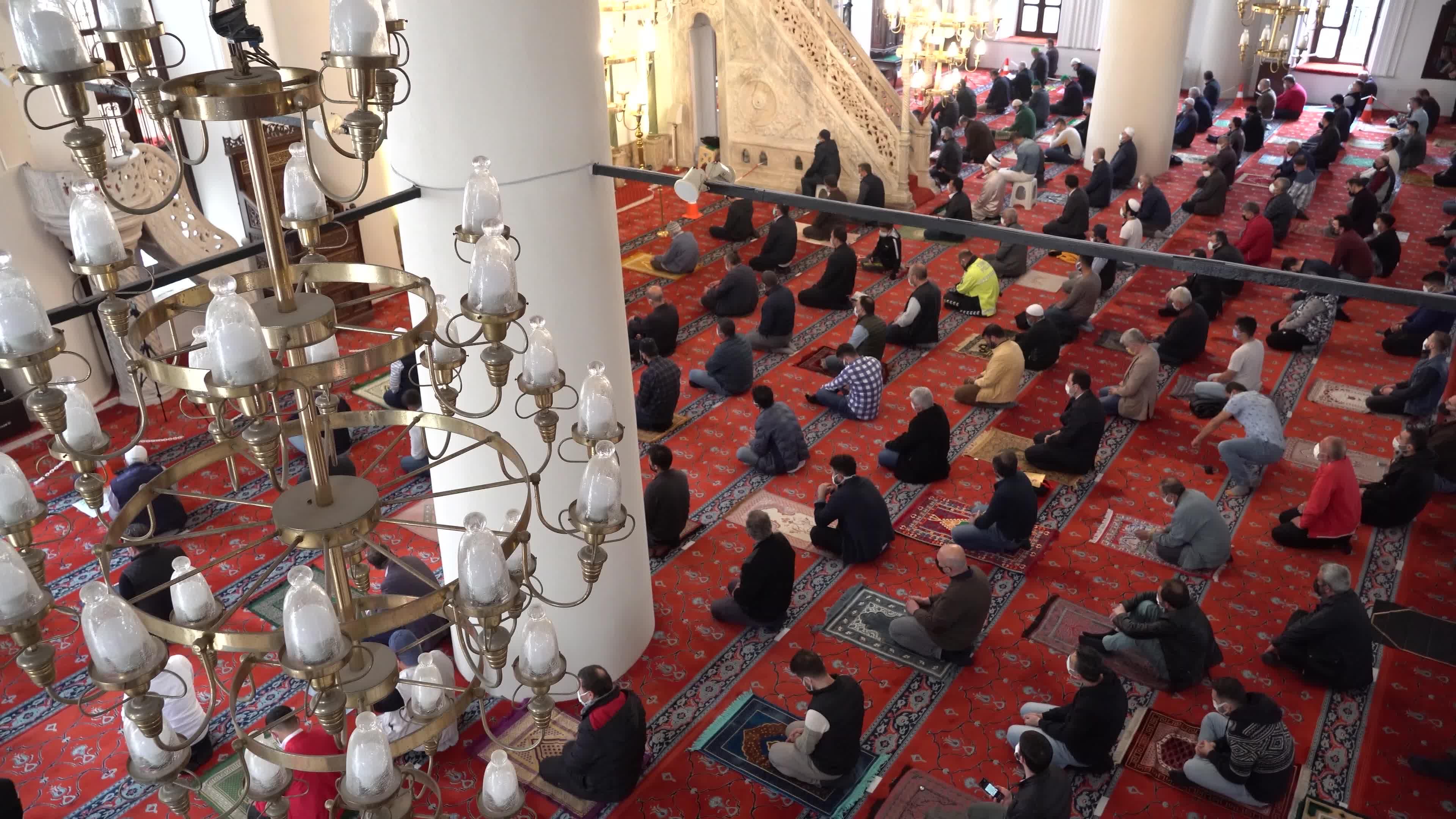 First Friday prayer of Ramadan in Turkey