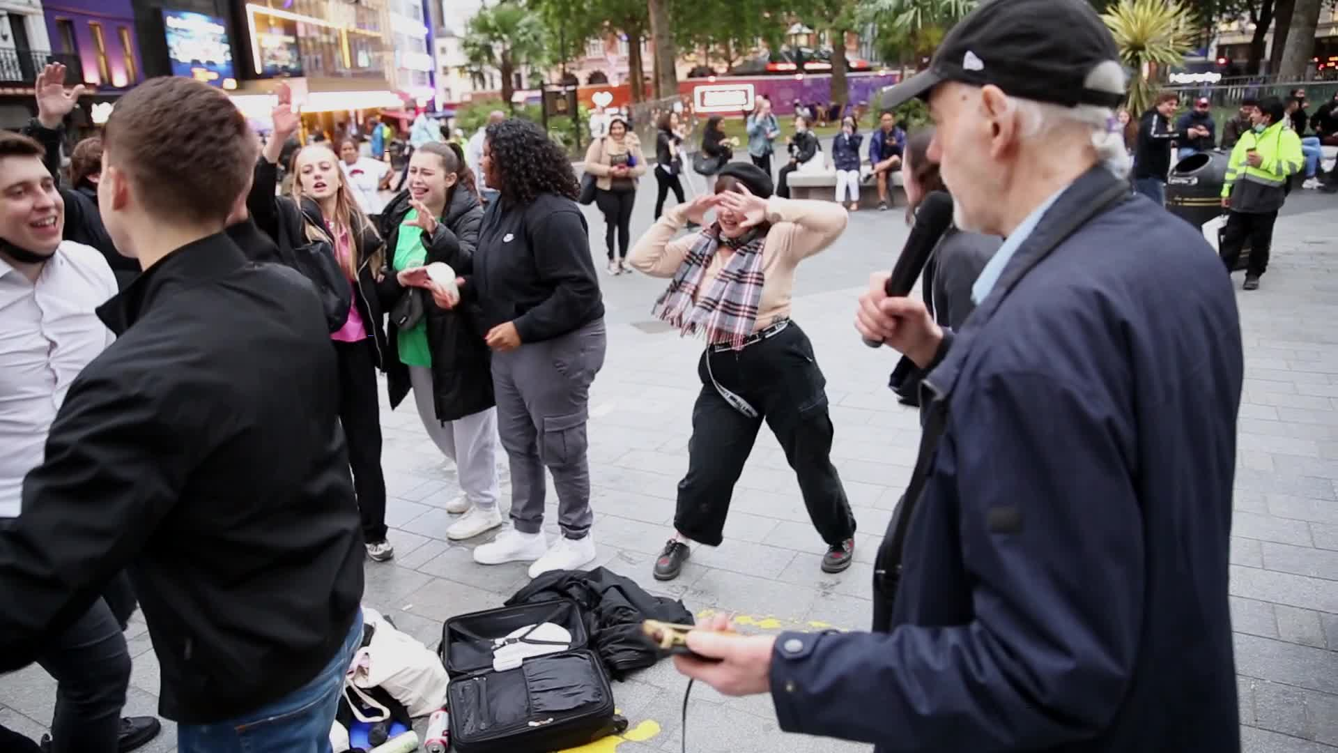 London enjoys street party despite lockdown